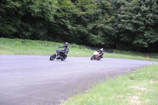 ③サーキットを走ろう (9)