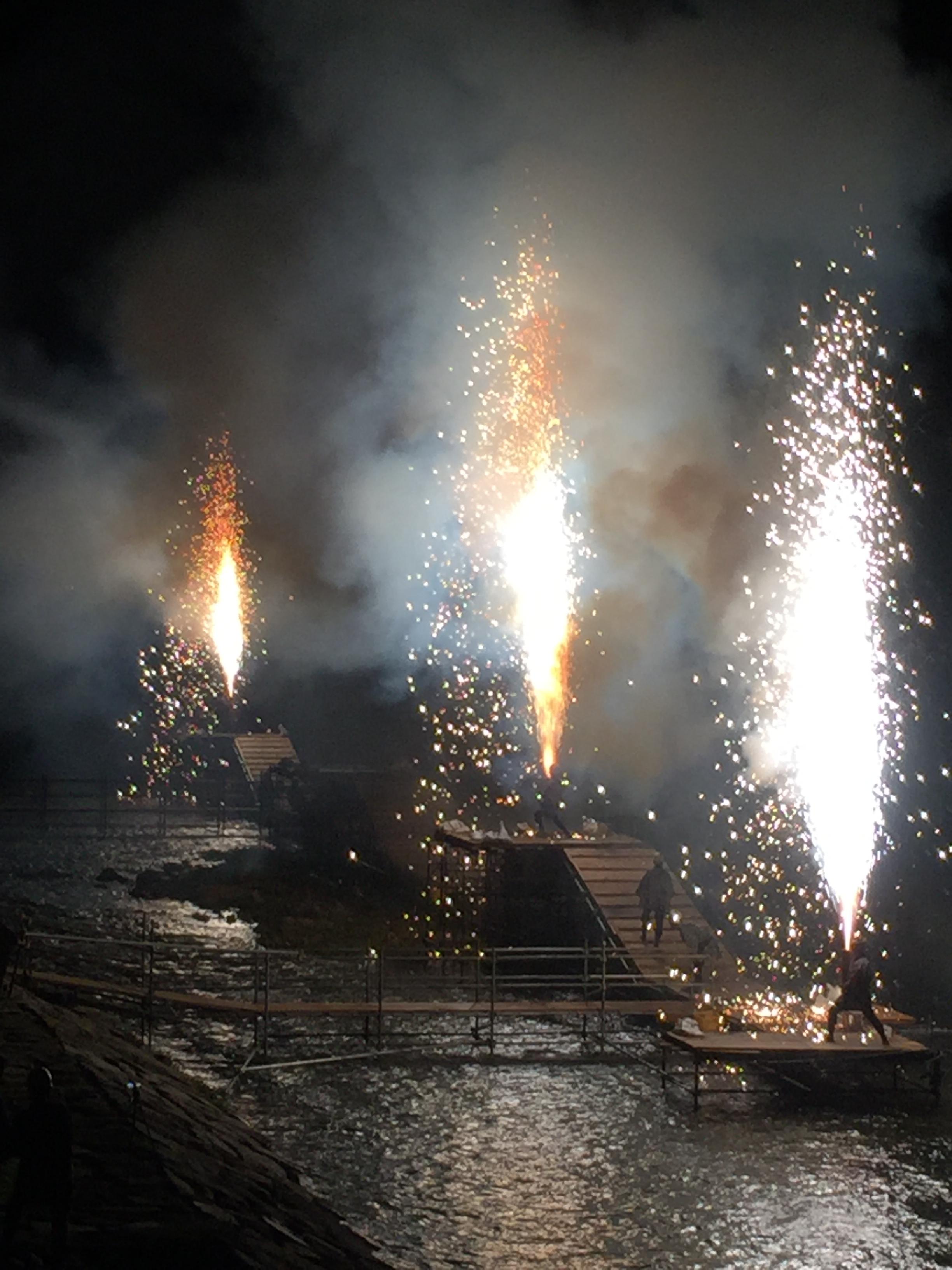 Handtube_fireworks2.jpg