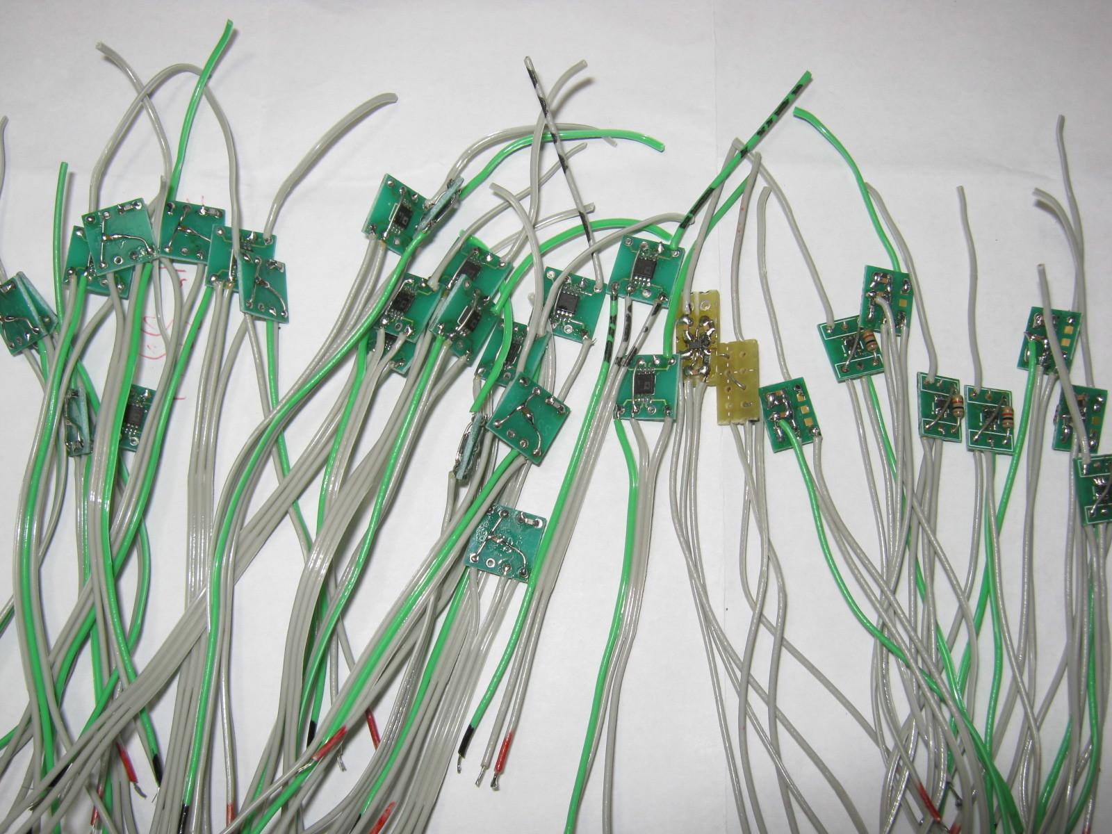 27MHz~2.4GHz対応のRFチェッカー増殖中