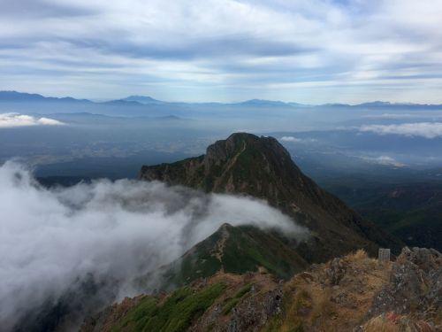 阿弥陀岳と御岳、北アルプス