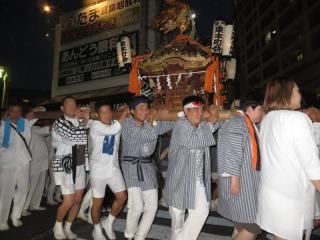 登戸お祭りお神輿01