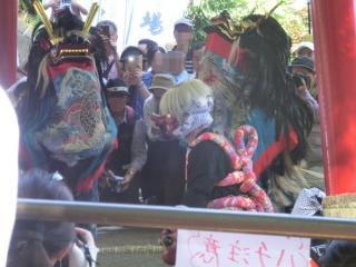獅子舞様子2