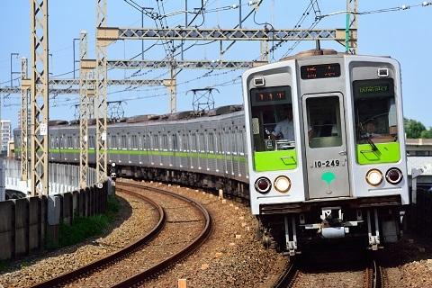 Toei_Subway_10-000_series_6th-batch_set_20170529.jpg