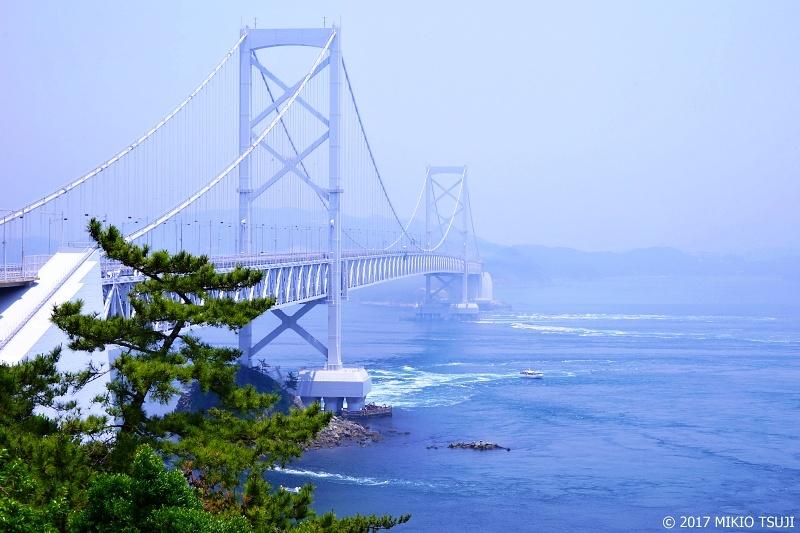 絶景探しの旅 - 0335 淡い大鳴門橋の風景 (徳島県 鳴門市)
