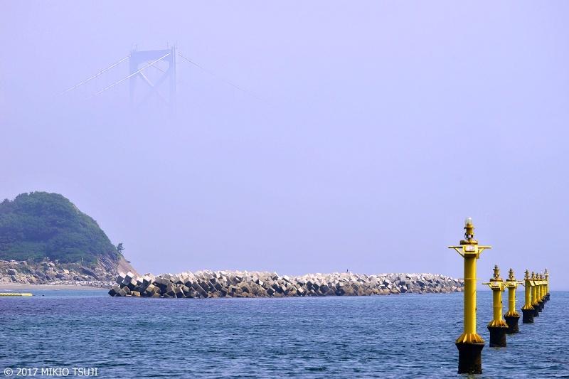 絶景探しの旅 - 0333 霧に浮かぶ鳴門大橋 (徳島県 鳴門市)