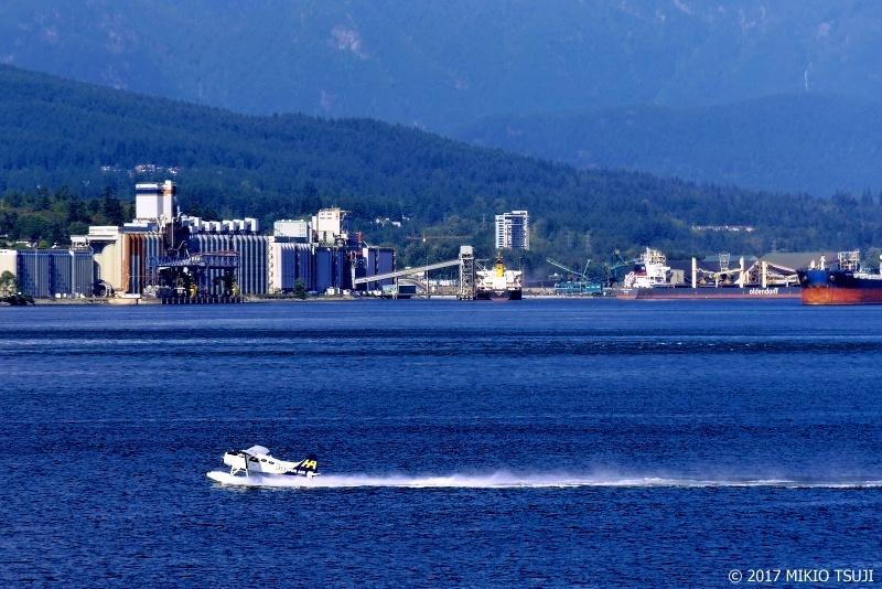 絶景探しの旅 - 0358 波しぶき上げ離水走行する飛行艇 (カナダ バンクーバー)